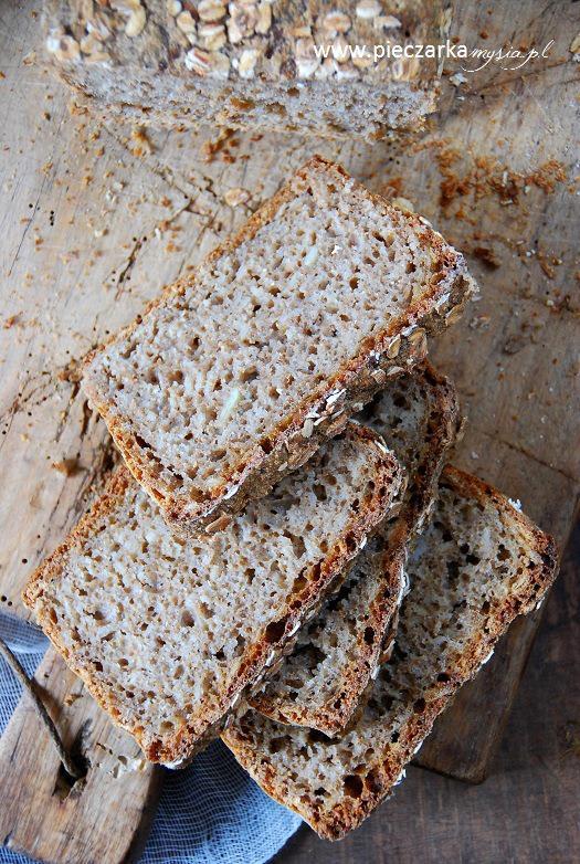 Chleb żytni na zakwasie z pestkami dyni1