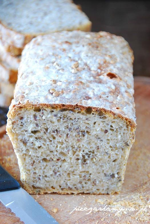 Chleb pszenno - zytni na zakwasie z ziarnami4