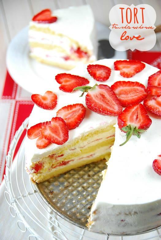 tort z truskawkami biszkopt8